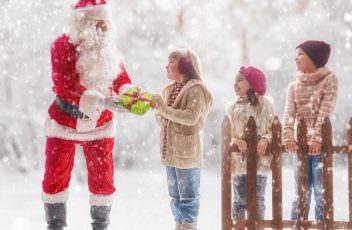 Christmas Winter Snow Fence Santa Claus Boys 558479 4000x3160