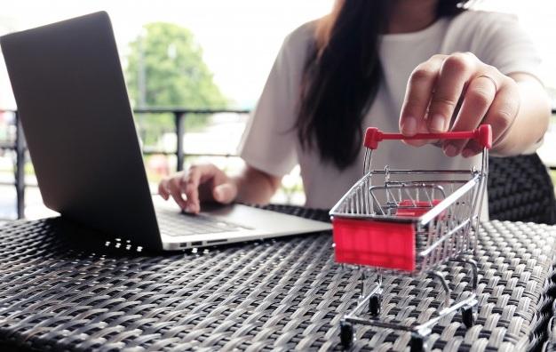 Как начать продавать одежду через интернет