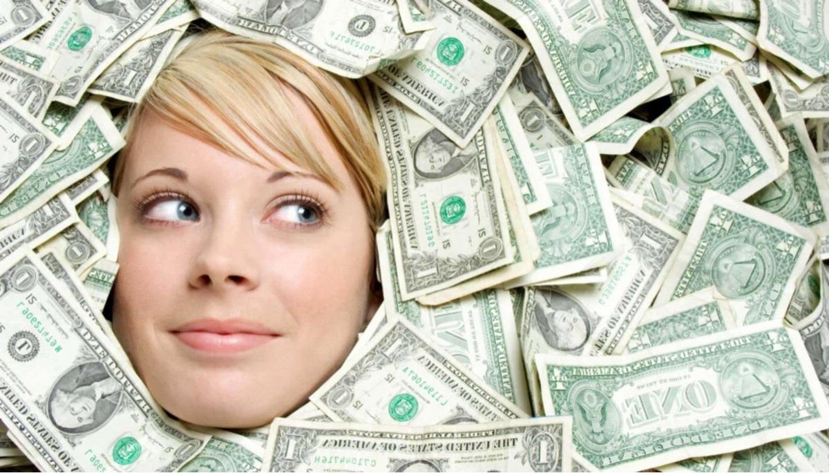 Сколько можно заработать на продаже одежды